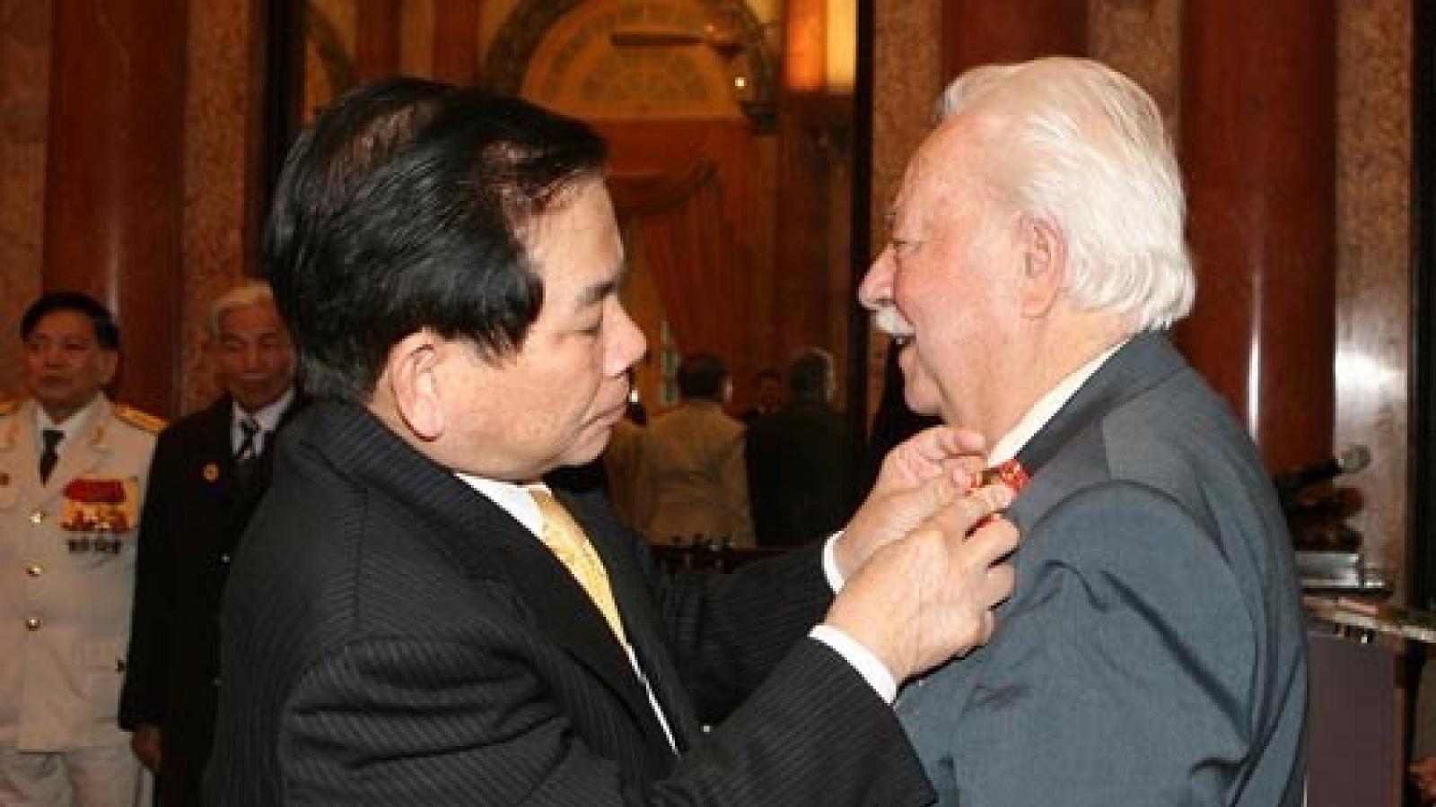 Chủ tịch nước Nguyễn Xuân Phúc gửi lời chia buồn tới gia đình Anh hùng Nguyễn Văn Lập