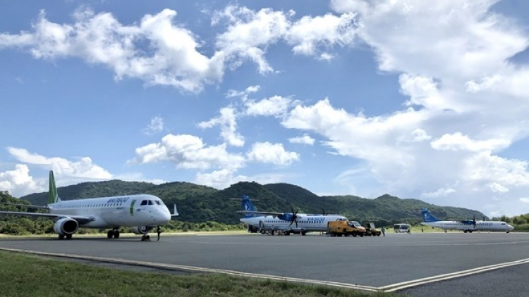 New COVID-19 outbreak puts a halt to more domestic flights