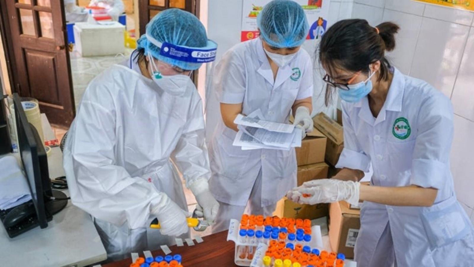 Vietnam's COVID-19 cases move close to 10,000