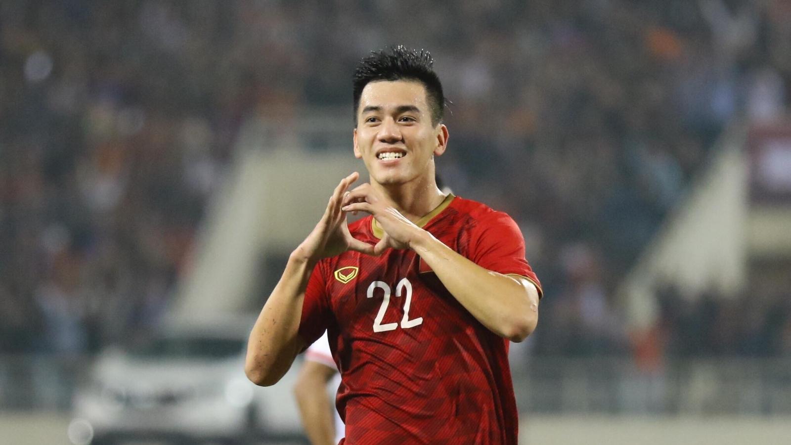 """Vòng loại World Cup 2022: ĐT Việt Nam """"nhận quà"""" trước trận đấu ĐT Malaysia"""