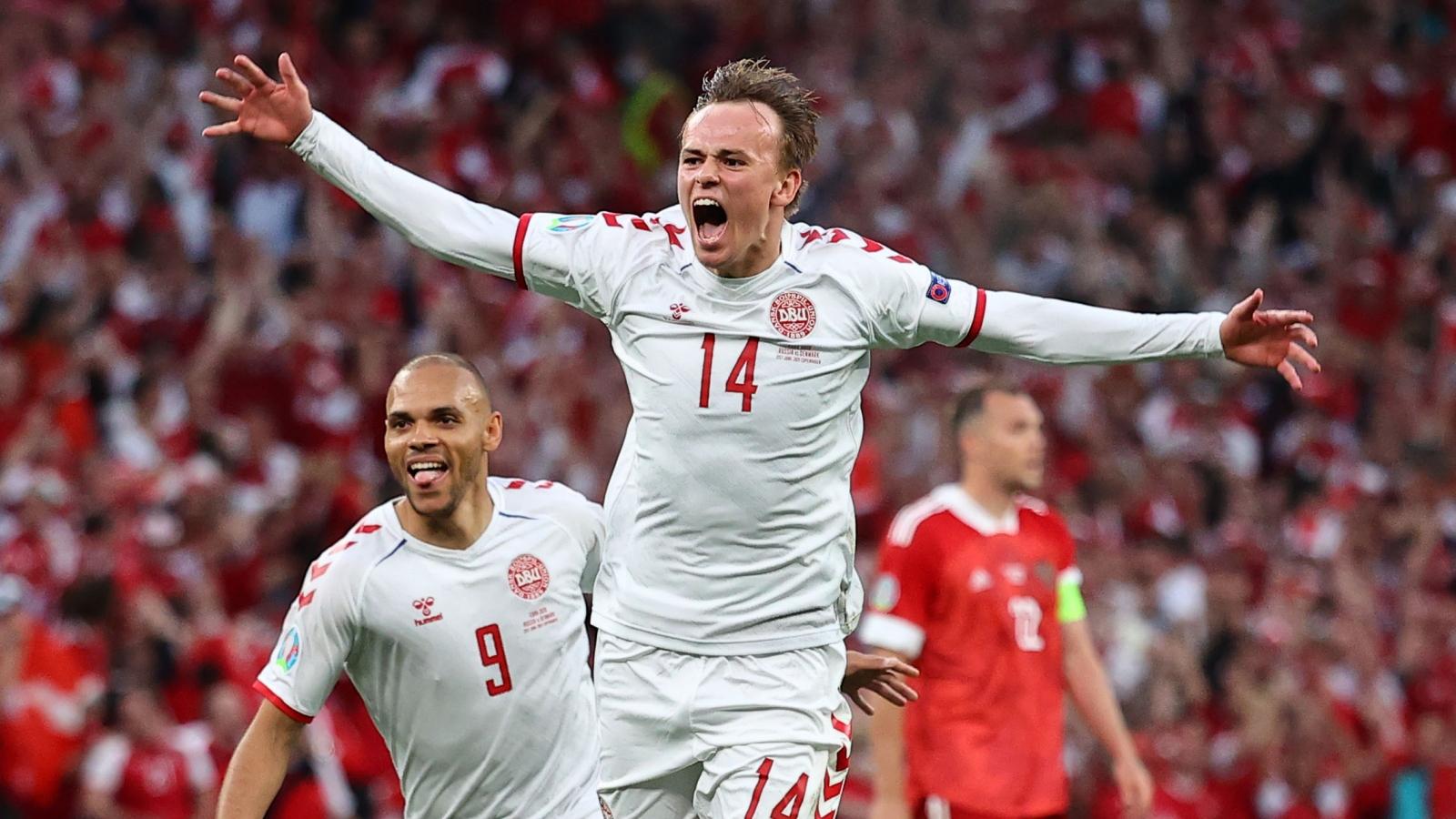 """Góc BLV: Đan Mạch sẽ """"tấn công phủ đầu"""" trước Xứ Wales"""