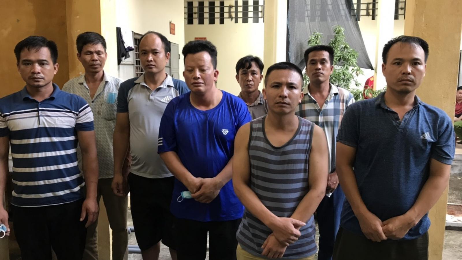 Bắt quả tang 11 đối tượng đánh bạc ở Quảng Ninh