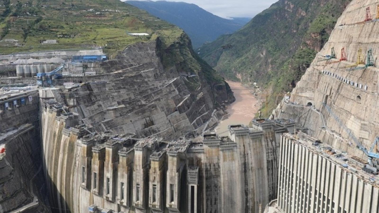 Trung Quốc sẽ vận hành nhà máy thủy điện lớn thứ 2 thế giới sau đập Tam Hiệp vào tháng 7