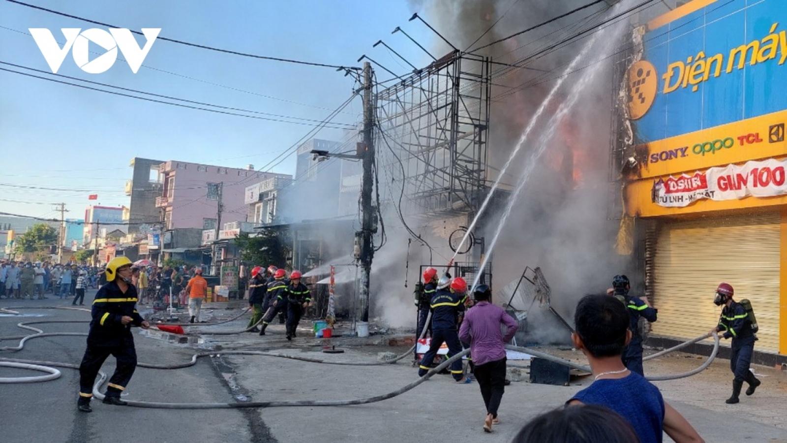 Phú Yên:Tìm người đã chứng kiến đám cháy cửa hàng điện máy để phòng, chống dịch Covid-19