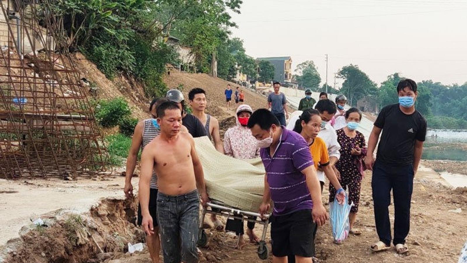 Một phụ nữ tử vong do đuối nước khi cứu con