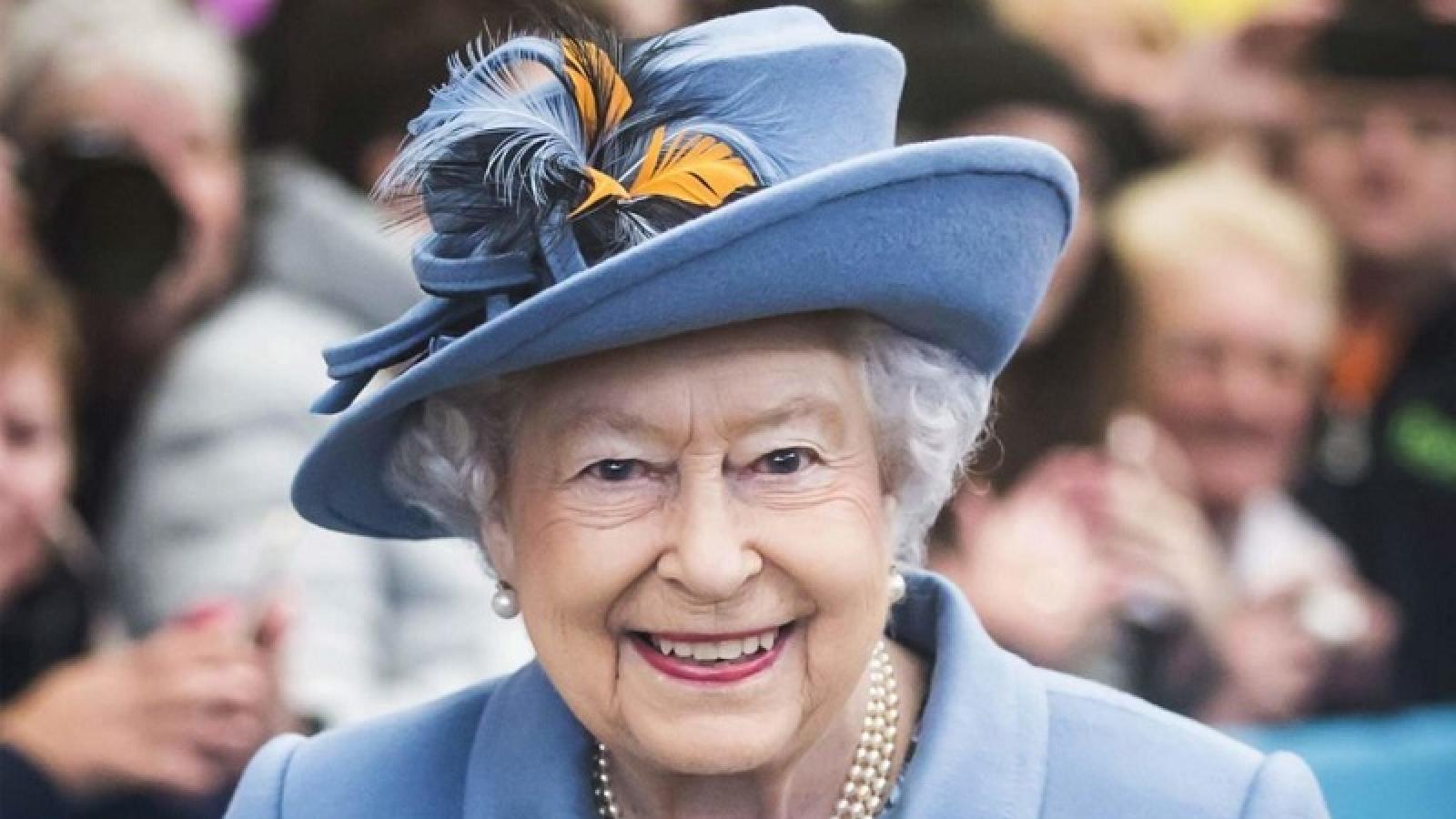 Tổng thống Mỹ duy nhất nào chưa gặp Nữ hoàng Anh Elizabeth?