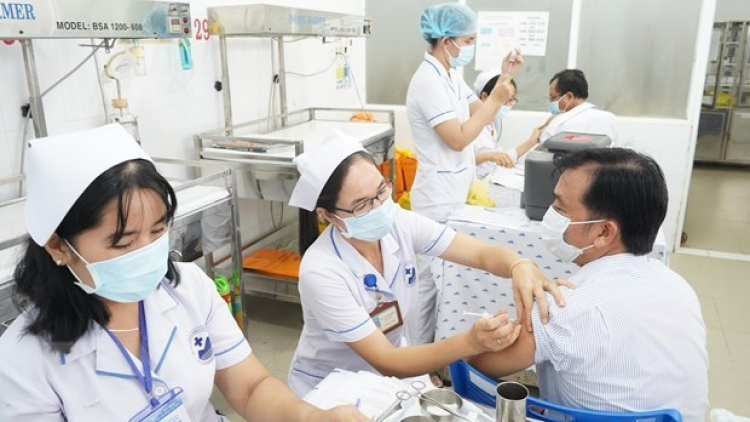Foreign experts would be vaccinated against COVID-19: Deputy PM