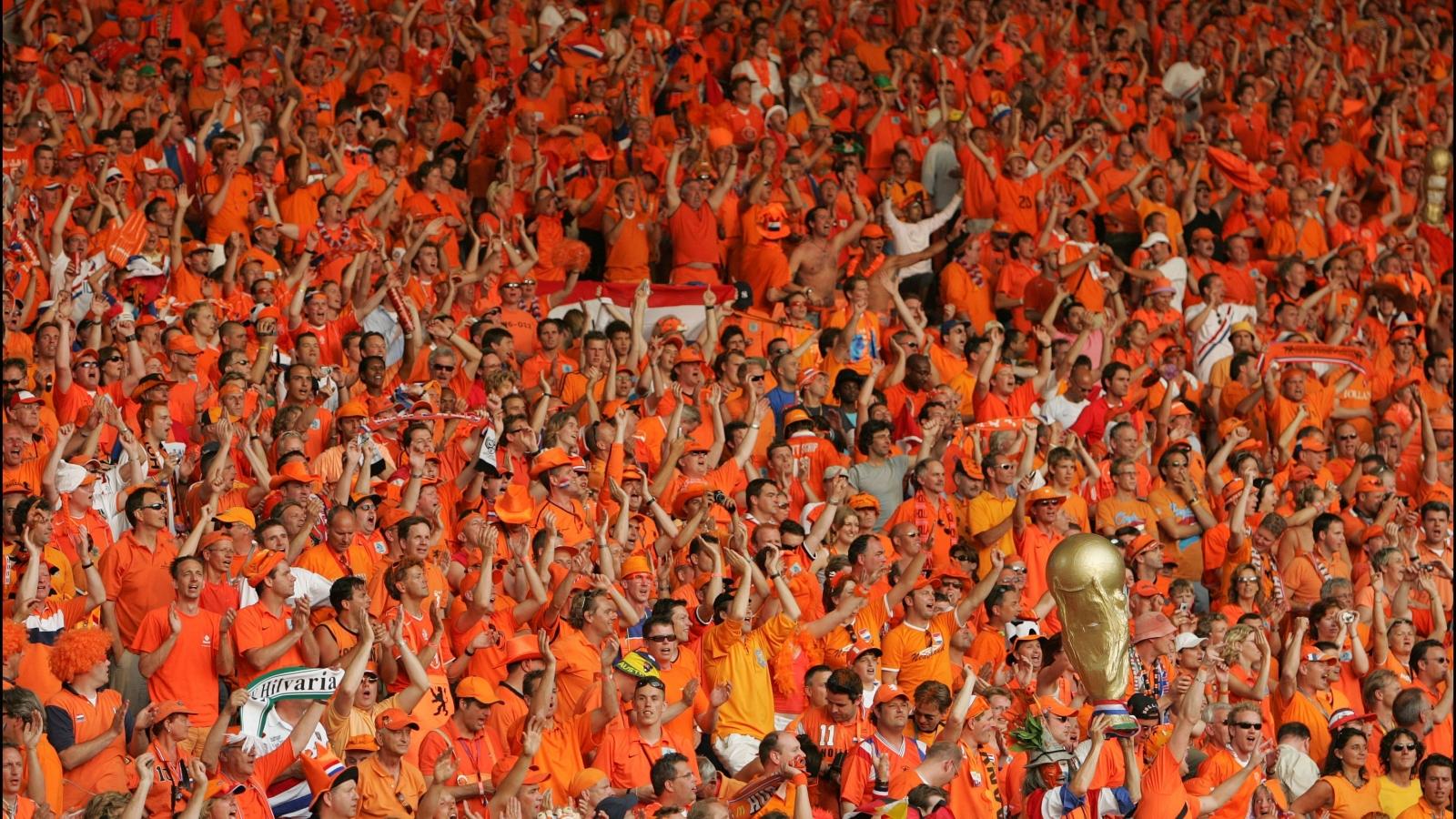 """CĐV Hà Lan lên kế hoạch """"phủ cam"""" sân đấu sôi động nhất EURO 2021"""