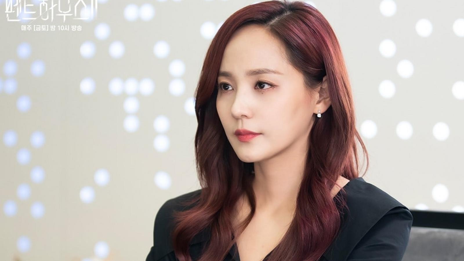 """Biên kịch """"Penthouse"""" tiết lộ mỹ nhân Eugene bị căm ghét khi vào vai Oh Yoon Hee"""