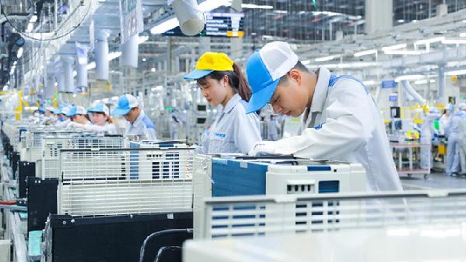 Vietnam becomes bright spot for foreign investors despite COVID-19