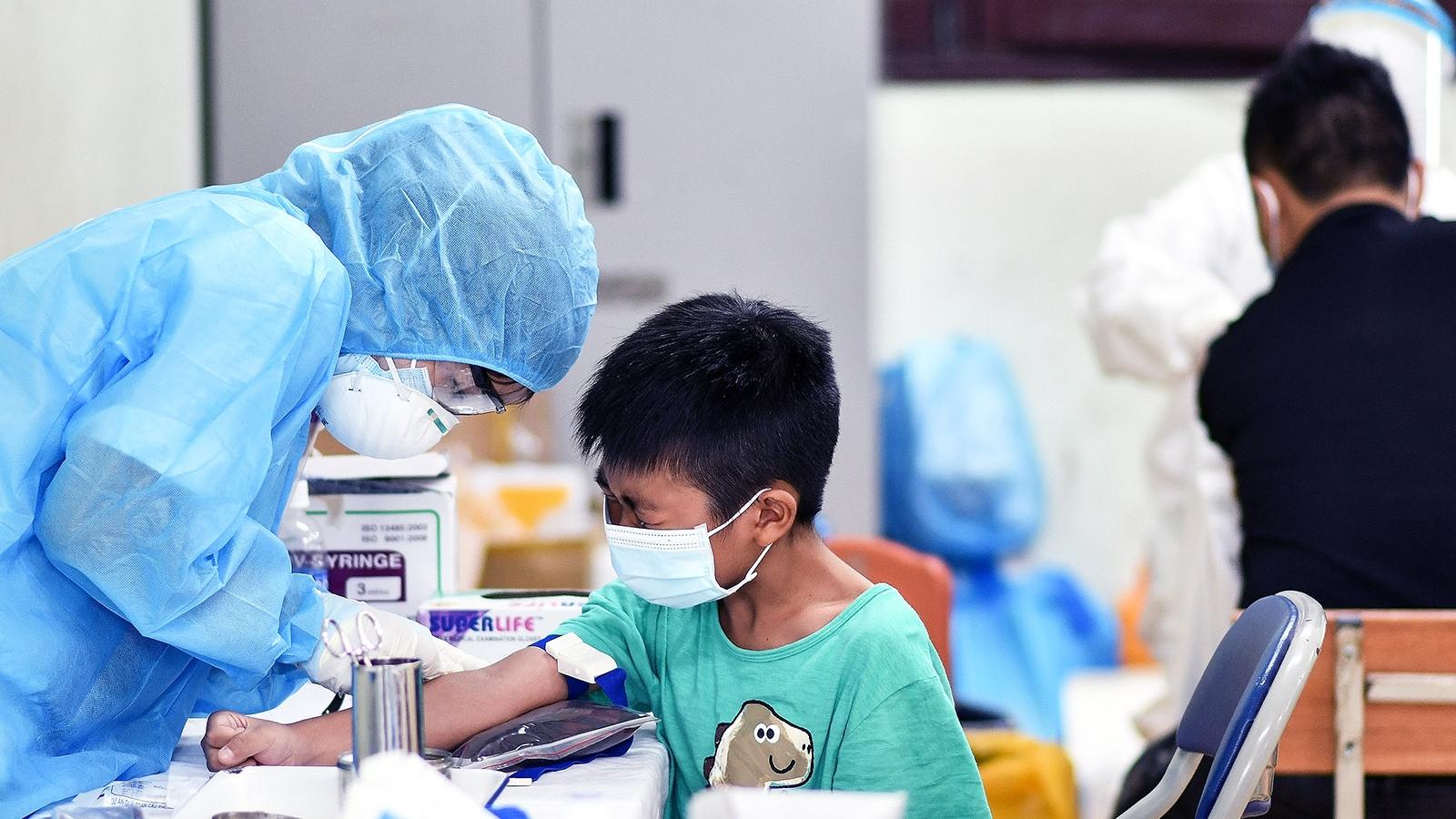 """Campuchia ghi nhận""""ngày chết chóc kỷ lục"""" – xác nhận các ca nhiễm biến chủng Delta"""