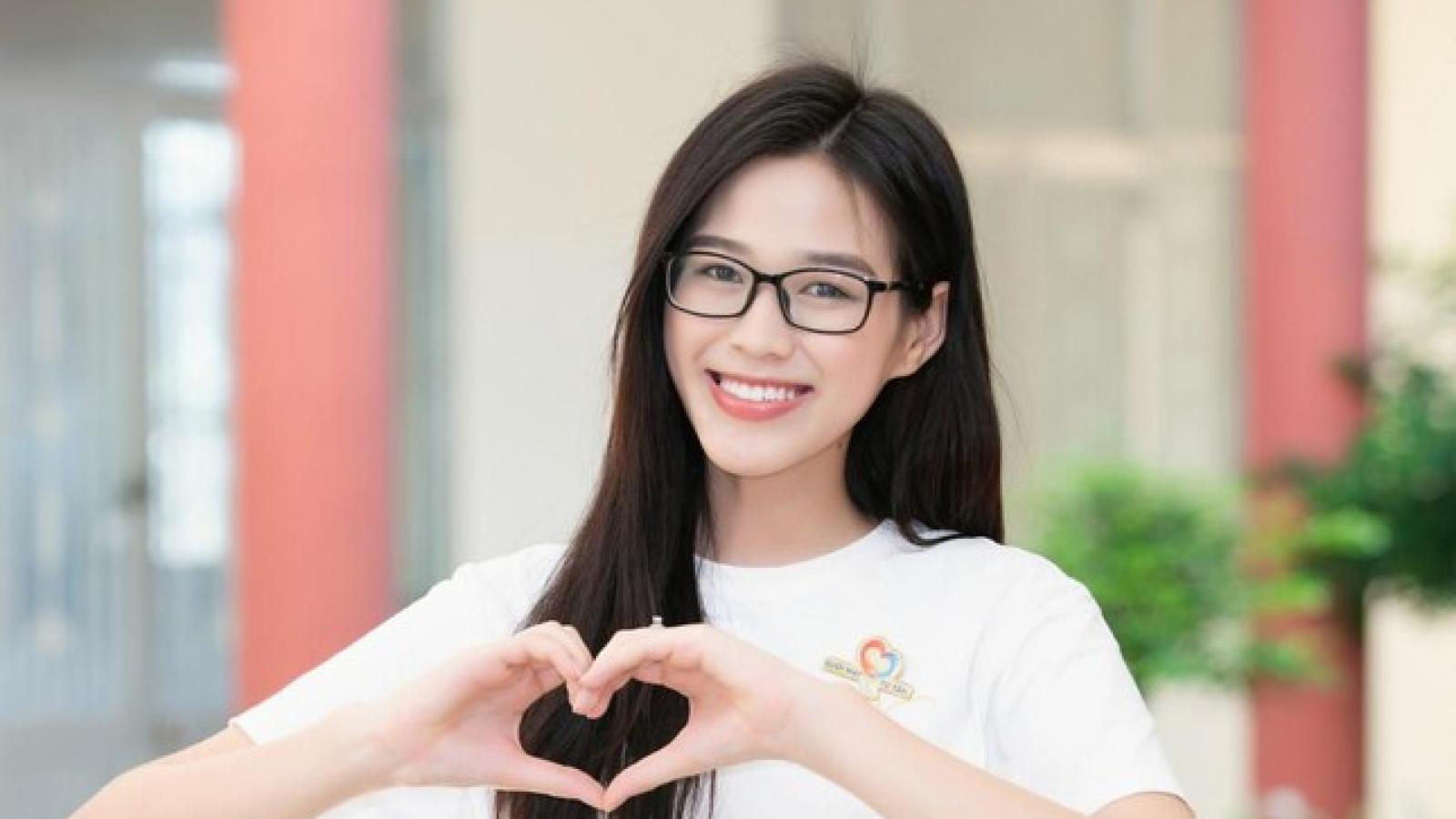 Hoa hậu Đỗ Thị Hà ngưỡng mộ bác sĩ 78 tuổi xung phong đi chống dịch ở Bắc Giang