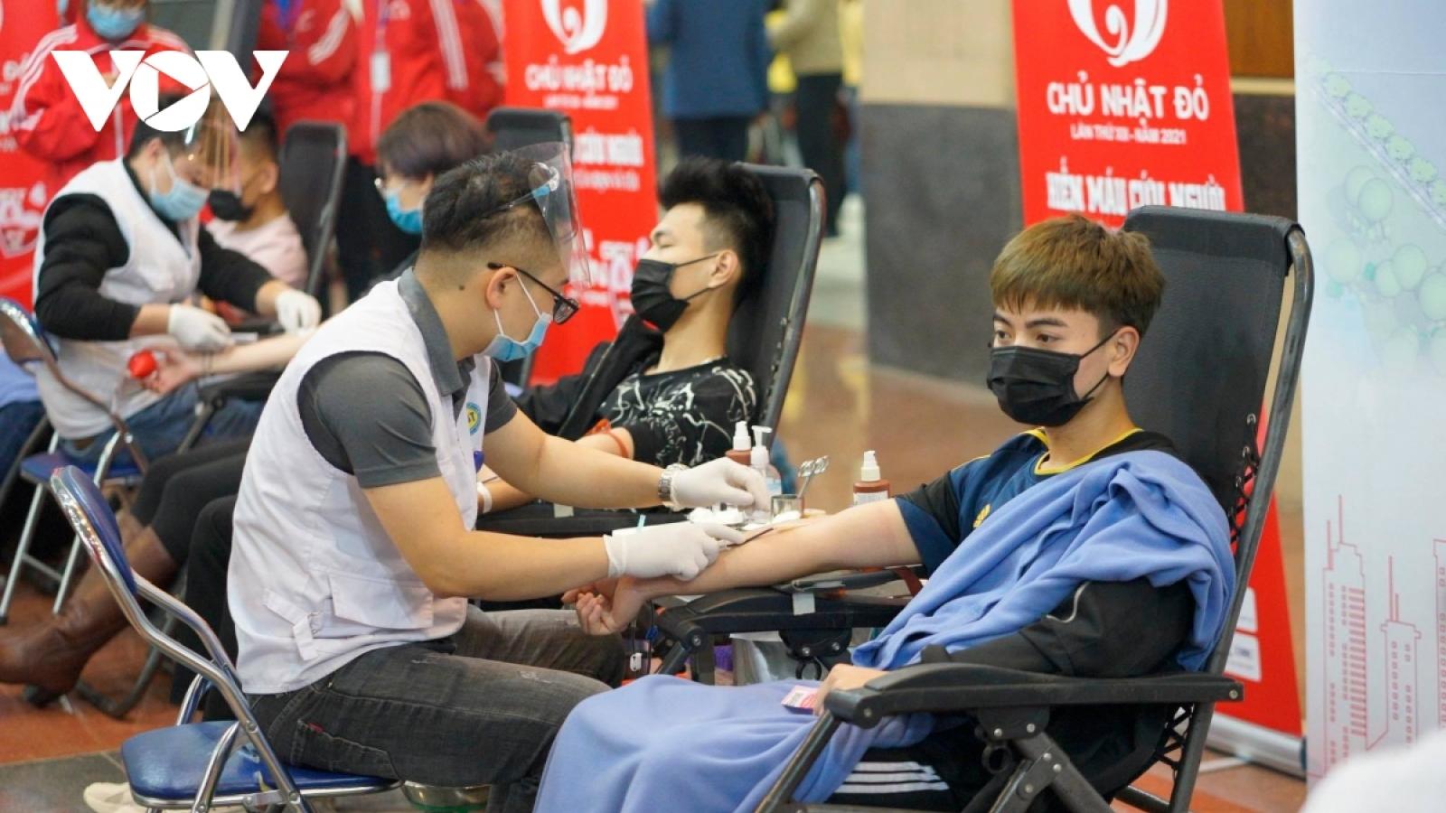 Có nên hiến máu sau khi tiêm vaccine COVID-19?