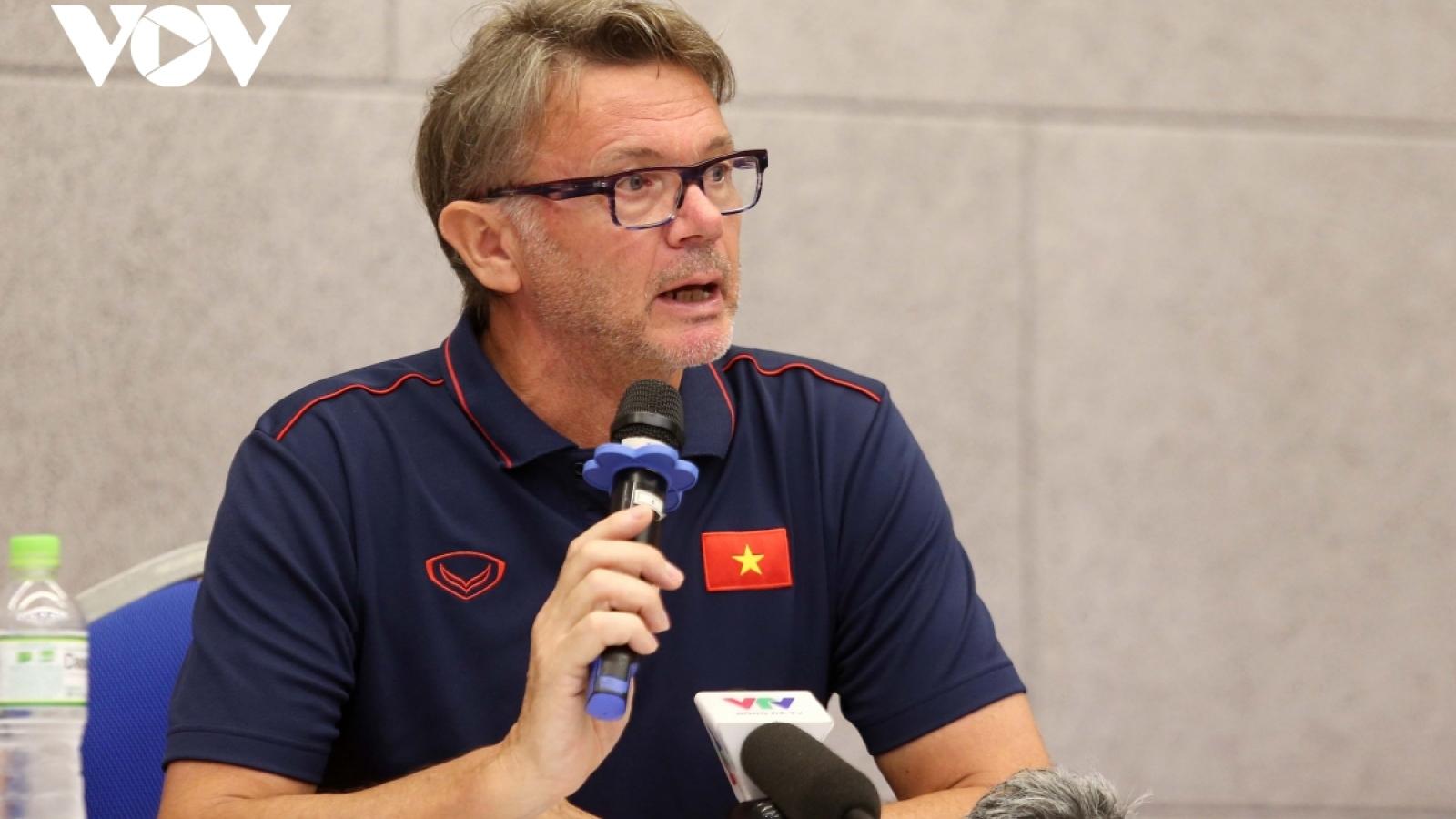 HLV Philippe Troussier chia tay U19 Việt Nam