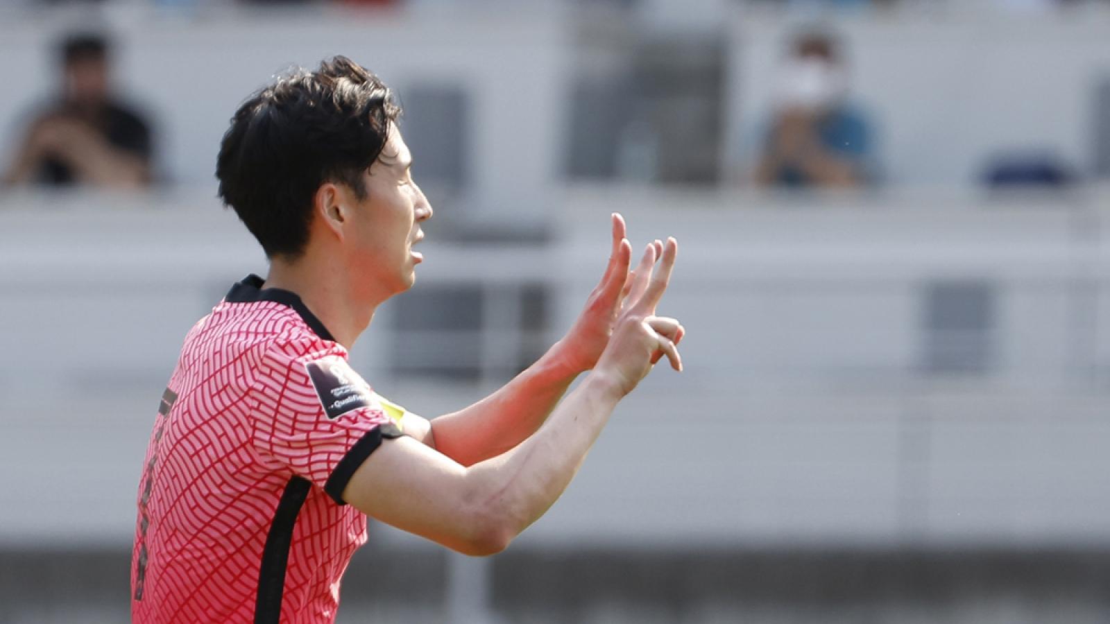 """Son Heung Min """"giải cứu"""" Hàn Quốc, ĐT Việt Nam 99% có vé dự vòng loại 3 World Cup 2022"""
