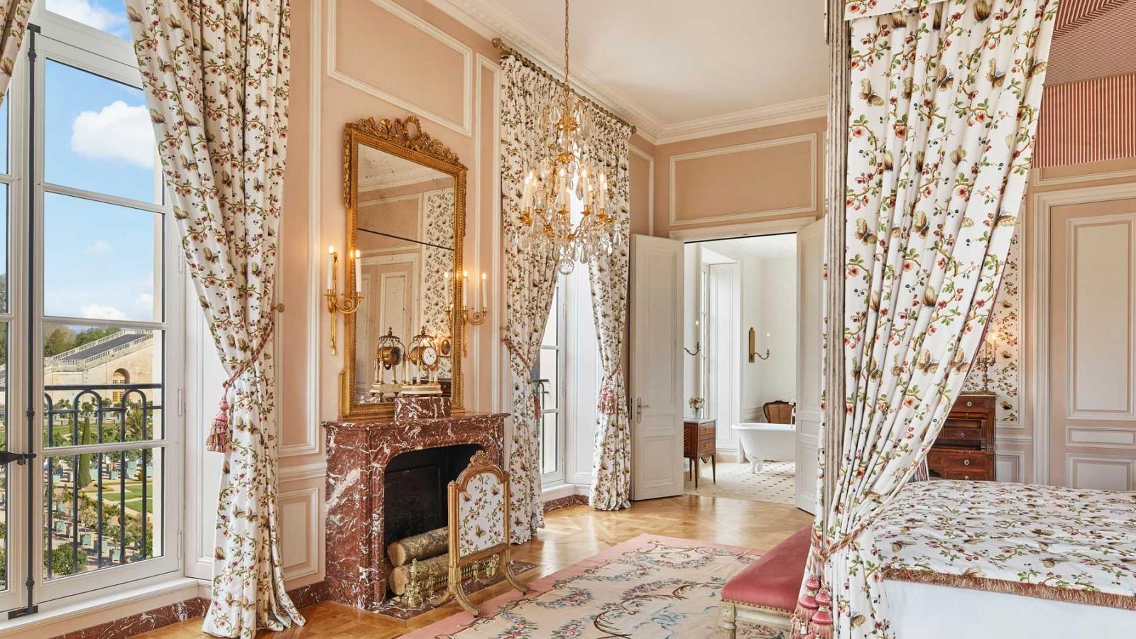 Trải nghiệm du lịch xa xỉ tại cung điện Versailles
