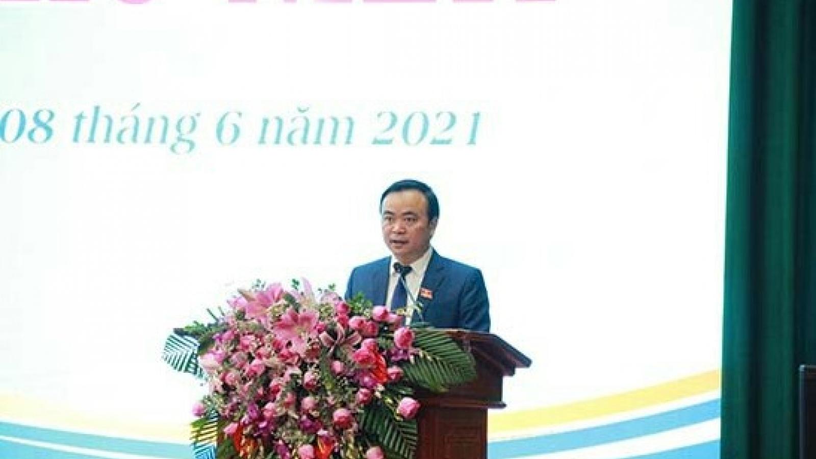 Ông Hà Trung Chiến được bầu giữ chức Chủ tịch HĐNDthành phố Sơn La