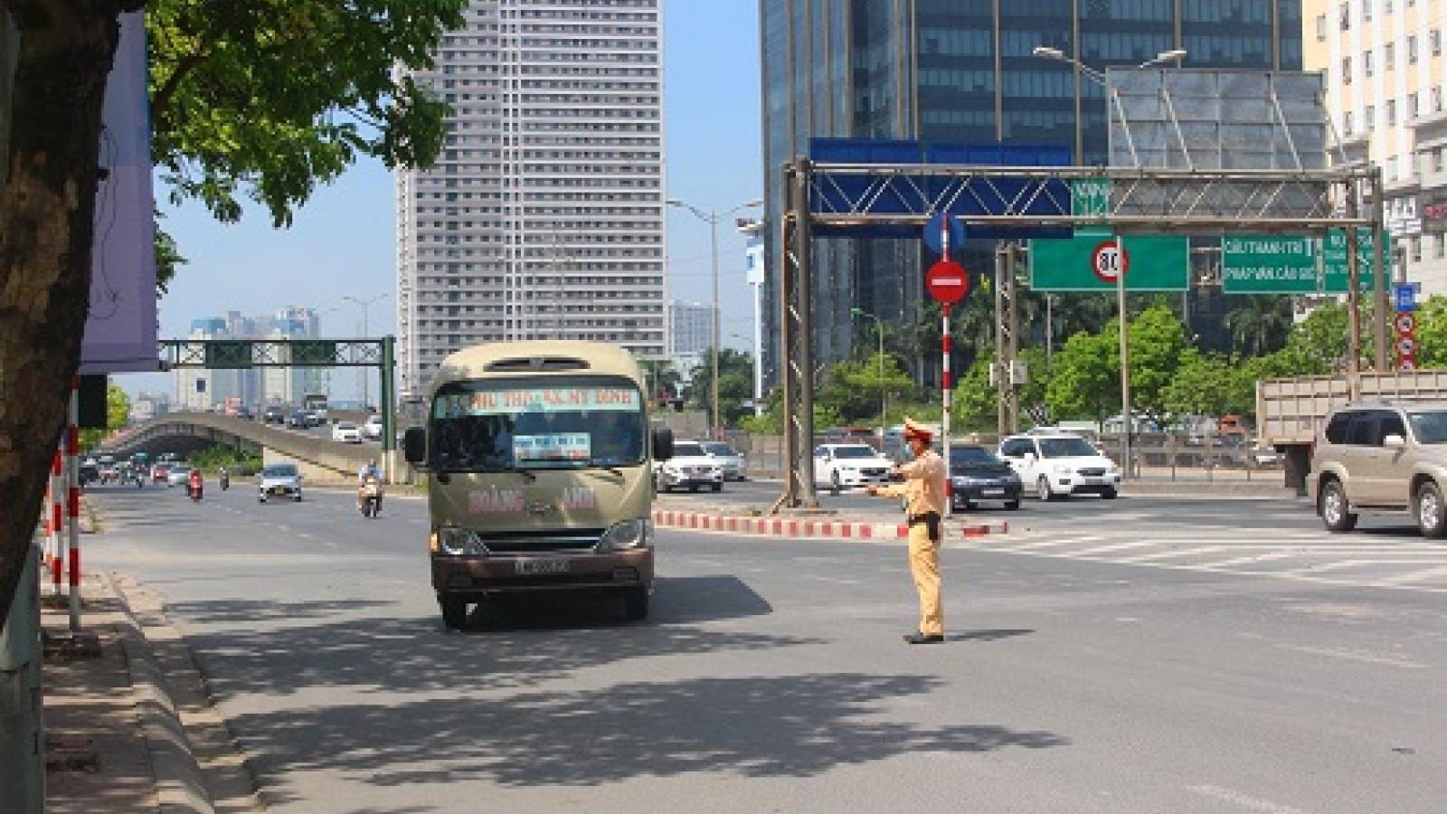 Hà Nội: Không để giáo viên, thí sinh đến điểm thi muộn vì ùn tắc giao thông