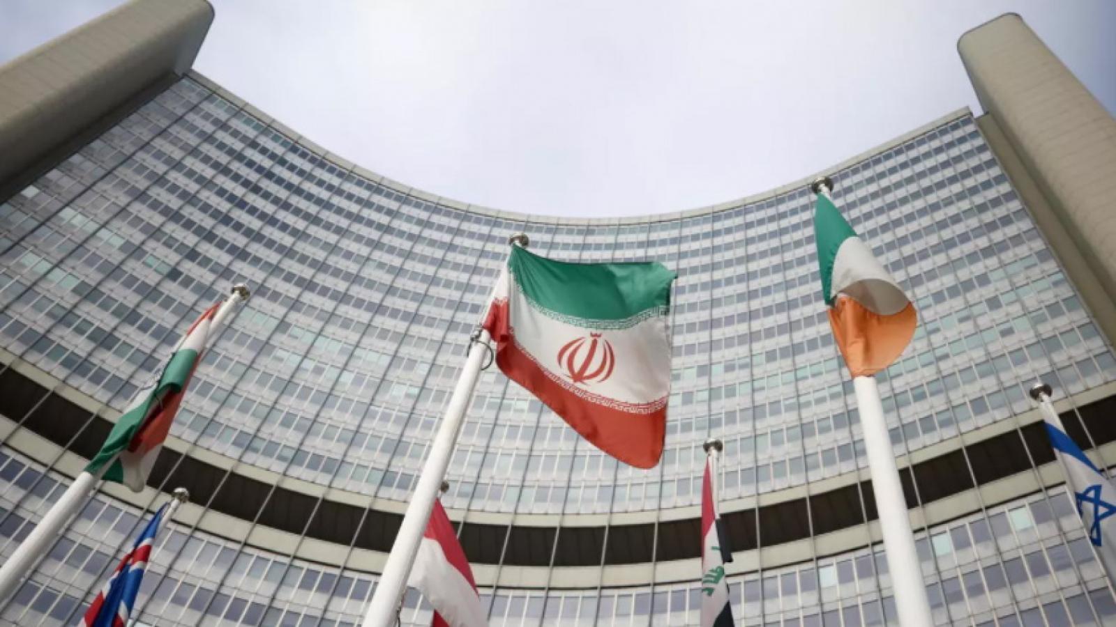 """Mỹ – Iran tung """"đòn gió"""" trước vòng đàm phán mới?"""