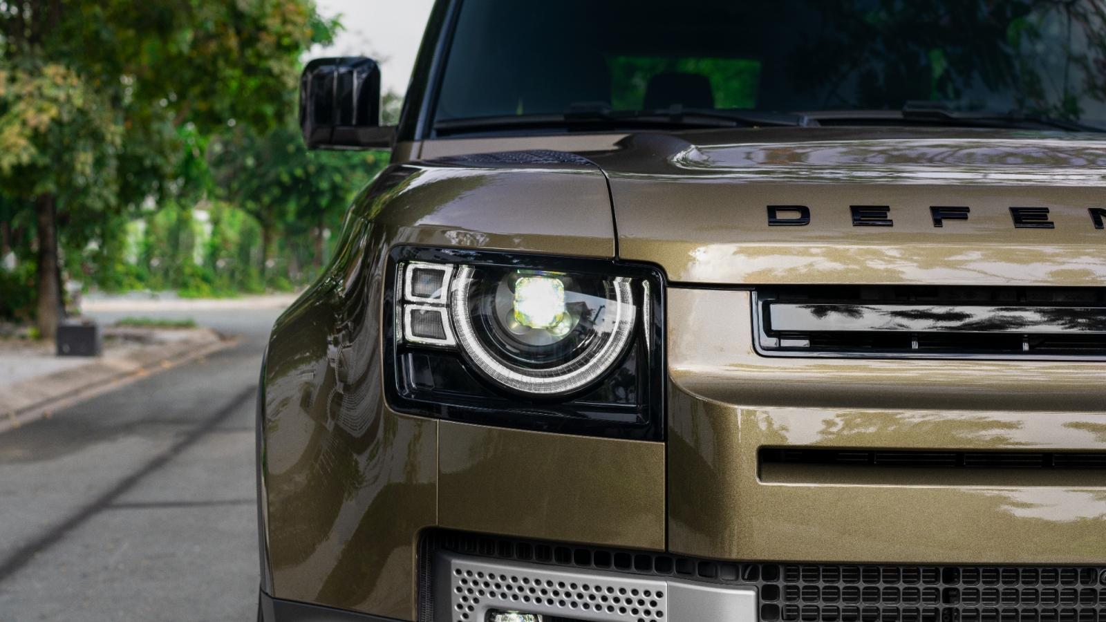 Khám phá Land Rover Defender phiên bản 3 cửa vừa xuất hiện tại Việt Nam