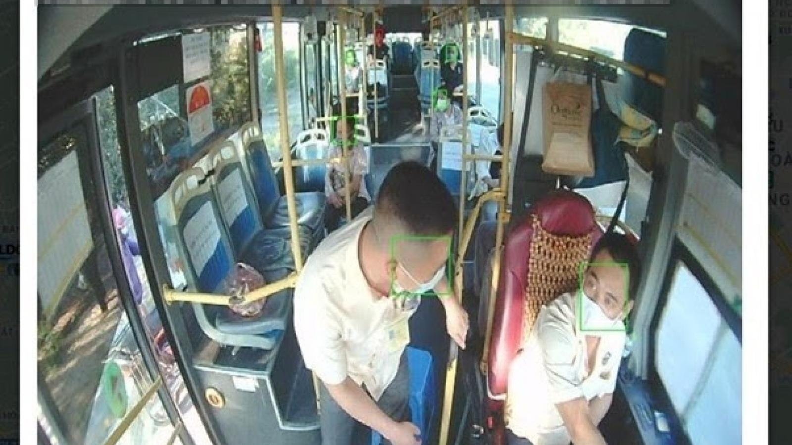 Lắp camera trên xe khách để phát hiện người không đeo khẩu trang, phòng chống dịch