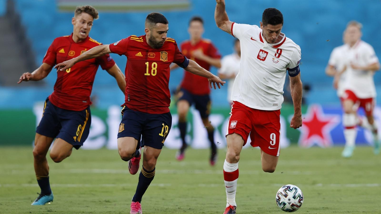 BXH các đội hạng 3 vòng bảng EURO 2021: Tây Ban Nha, Bồ Đào Nha lâm nguy