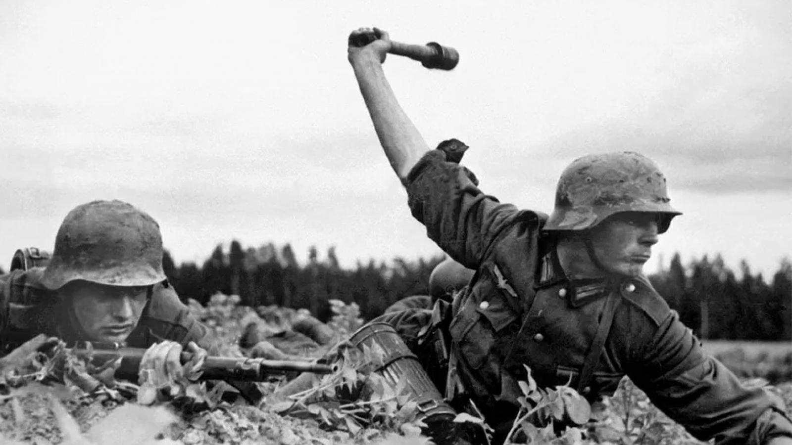 Chiến dịch Barbarossa (Đức tấn công Liên Xô) - chiến dịch xâm lược lớn nhất trong lịch sử