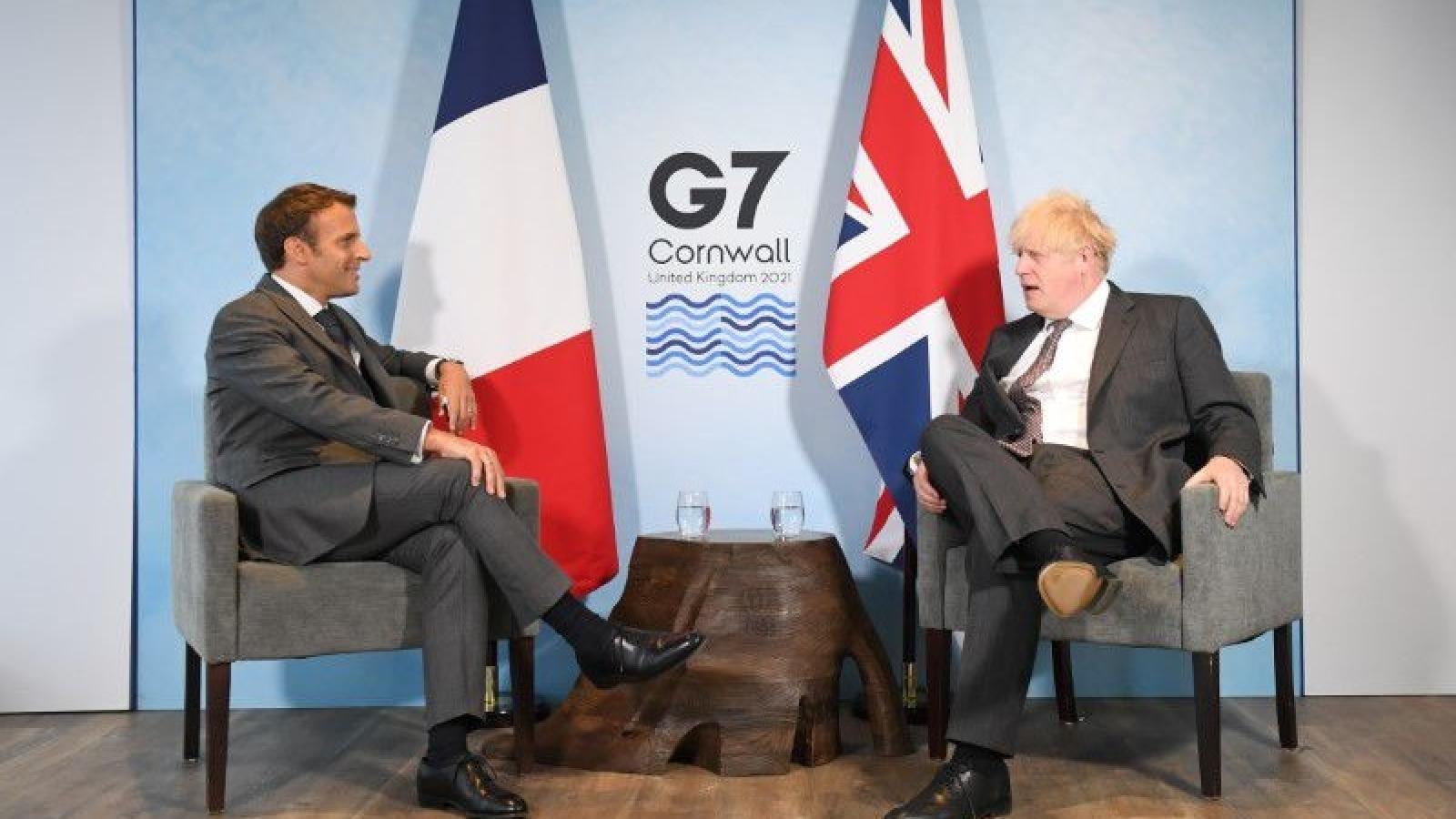 """Bên lề G7: Pháp hứa """"làm mới quan hệ"""" nếu Anh tuân thủ thỏa thuận Brexit"""