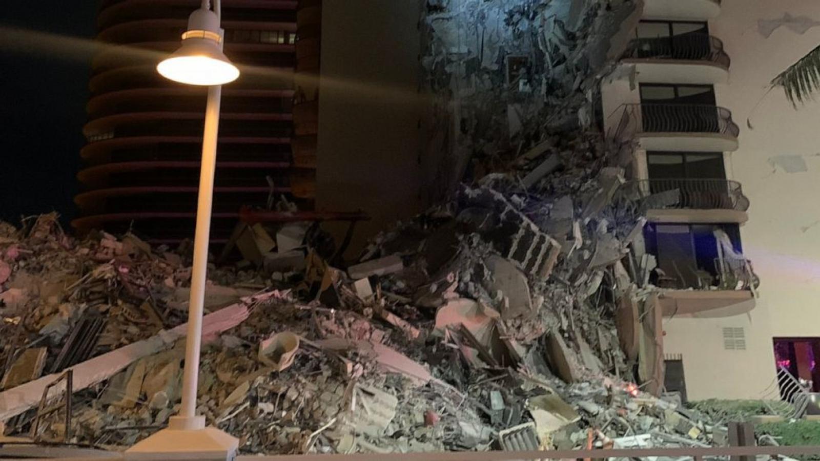 Sập tòa nhà chung cư ở Florida, Mỹ khiến ít nhất 4 người thương vong
