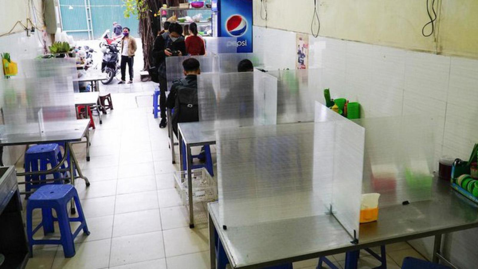 Hà Nội mở cửa trở lại dịch vụ cắt tóc, gội đầu, quán ăn trong nhà từ 0h ngày 22/6