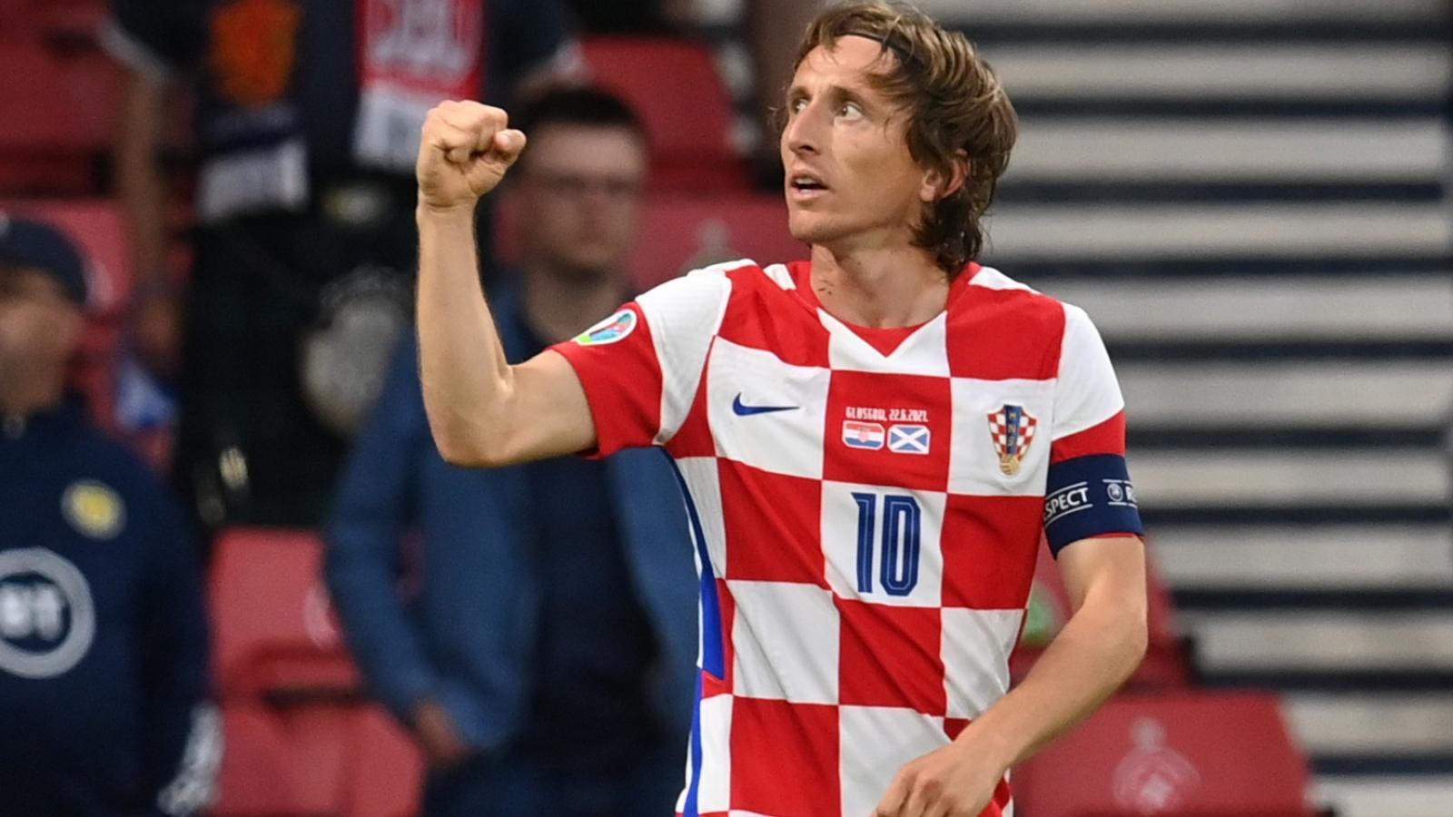 Modric thể hiện đẳng cấp, Croatia vào vòng 1/8 EURO 2021 với ngôi nhì bảng D