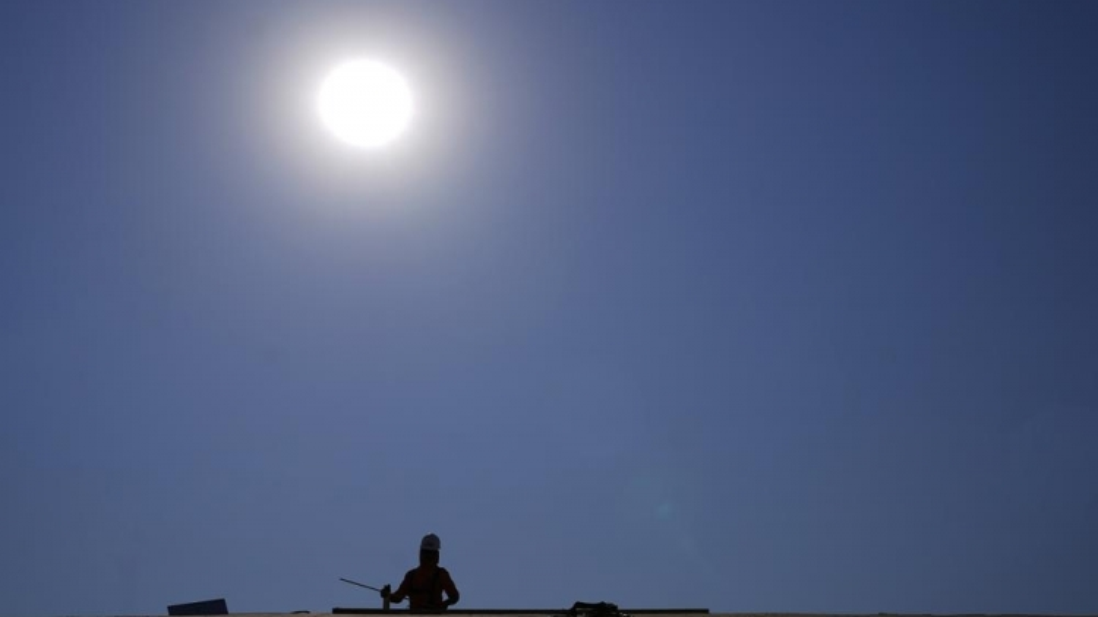 Miền Tây nước Mỹ nắng nóng lên đến 53 độ C
