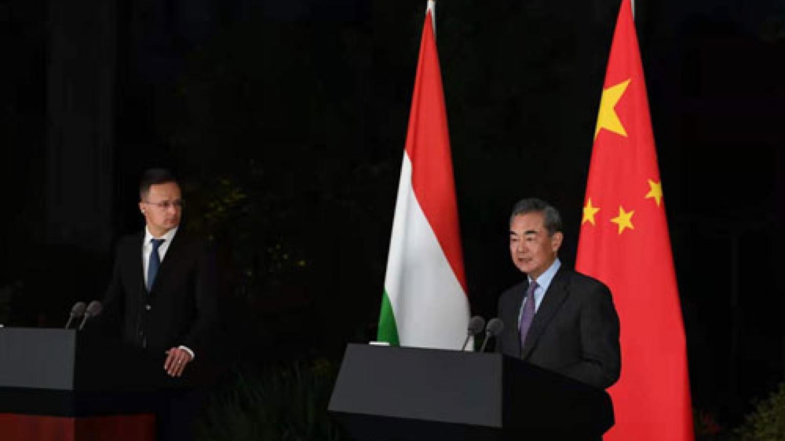 """Trung Quốctuyênbố """"đạt được nhất trí chung rộng rãi"""" với bốn nước châu Âu"""