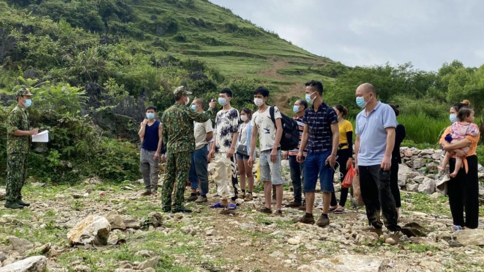 15 người nhập cảnh trái phép từ Trung Quốc