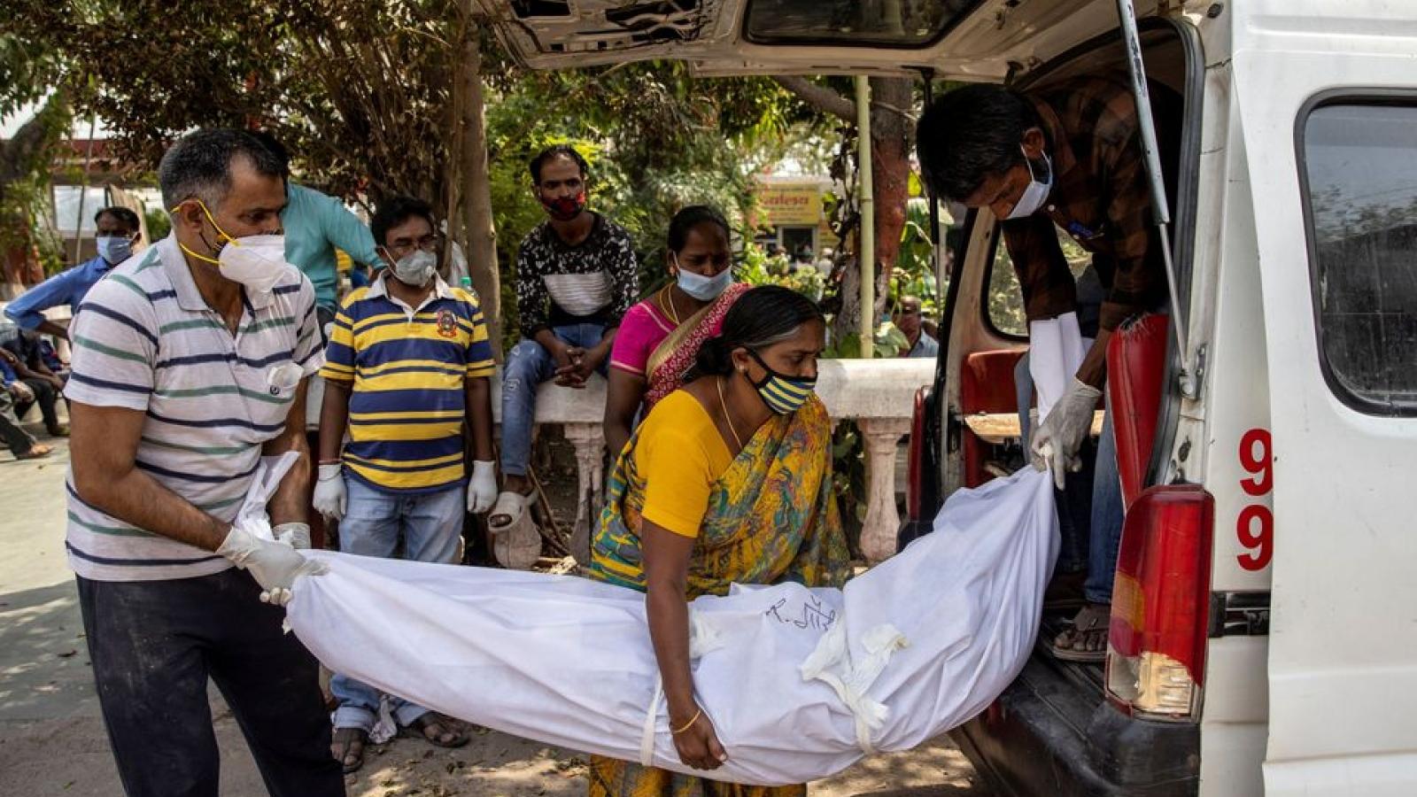 Ấn Độ ghi nhận kỷ lục hơn 6.000 ca tử vong do Covid-19 trong 24 giờ