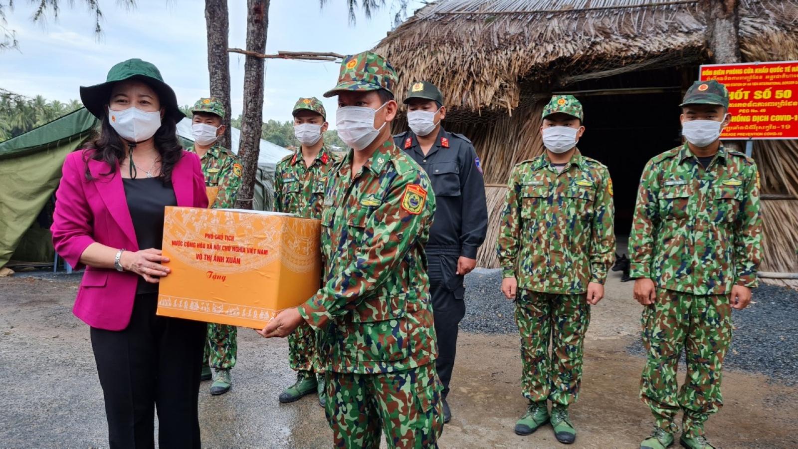 Phó Chủ tịch nước làm việc tại Kiên Giang về công tác phòng, chống Covid-19