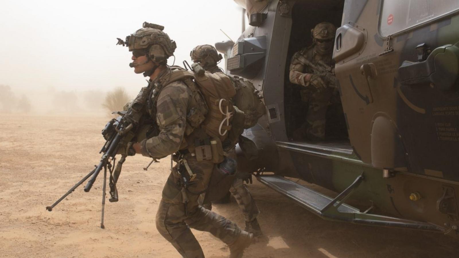 Pháp đình chỉ hoạt động quân sự chung với Mali