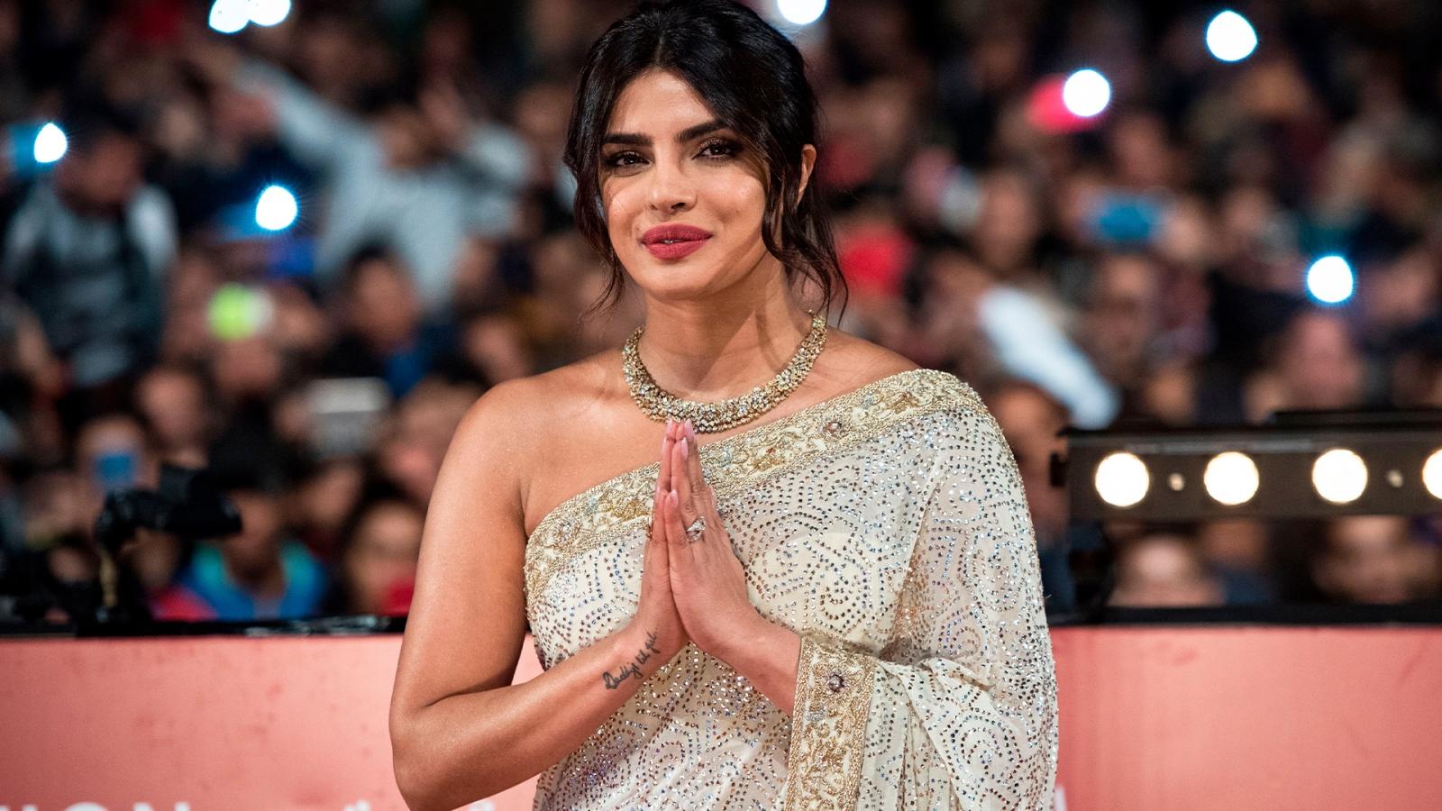 Bí quyết giữ gìn nhan sắc trẻ lâu của phụ nữ Ấn Độ