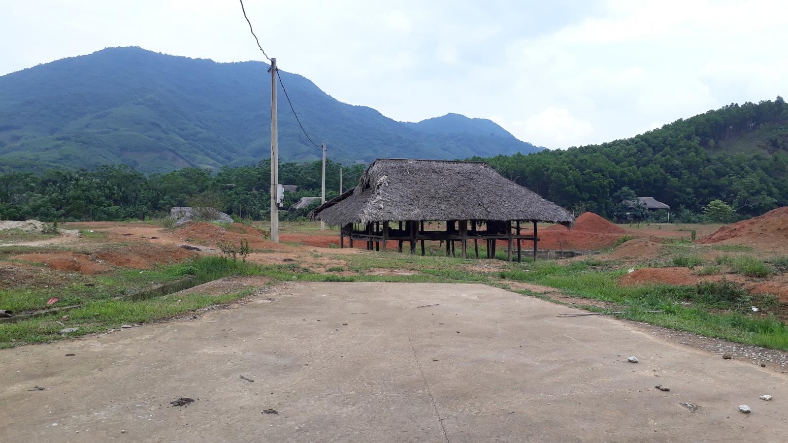Tái định cư cho người dân vùng lũ ở Yên Bái: Khu dang dở, điểm bỏ hoang