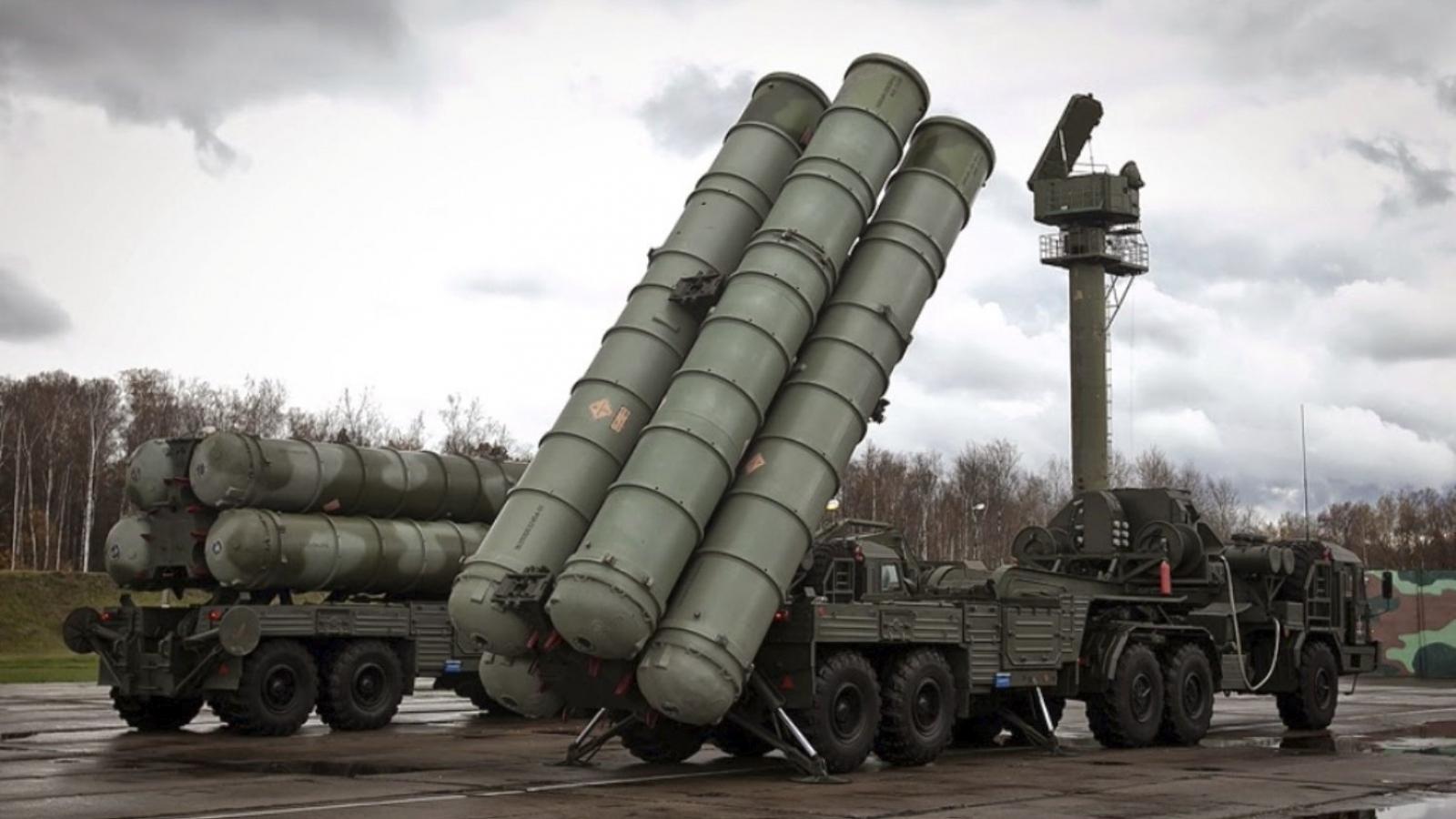 """Nga thử """"Rồng lửa"""" S-400 ở Crimea giữa lúc Mỹ và Ukraine tập trận ở Biển Đen"""