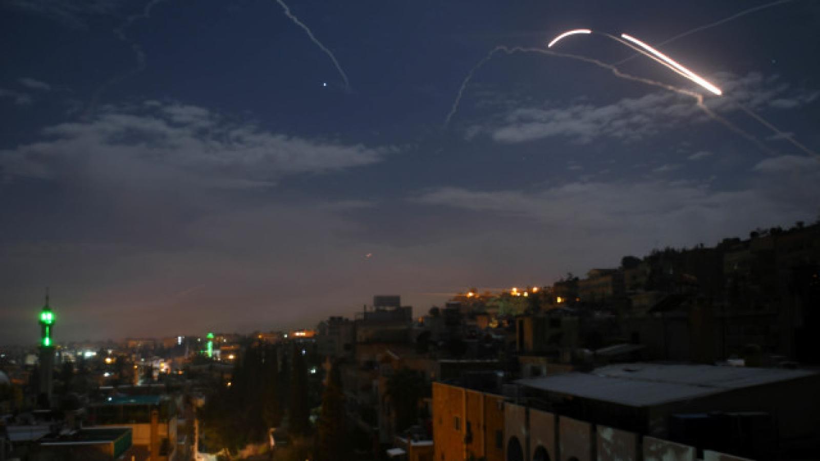 Syria đánh chặn thành công cuộc tấn công tên lửa của Israel