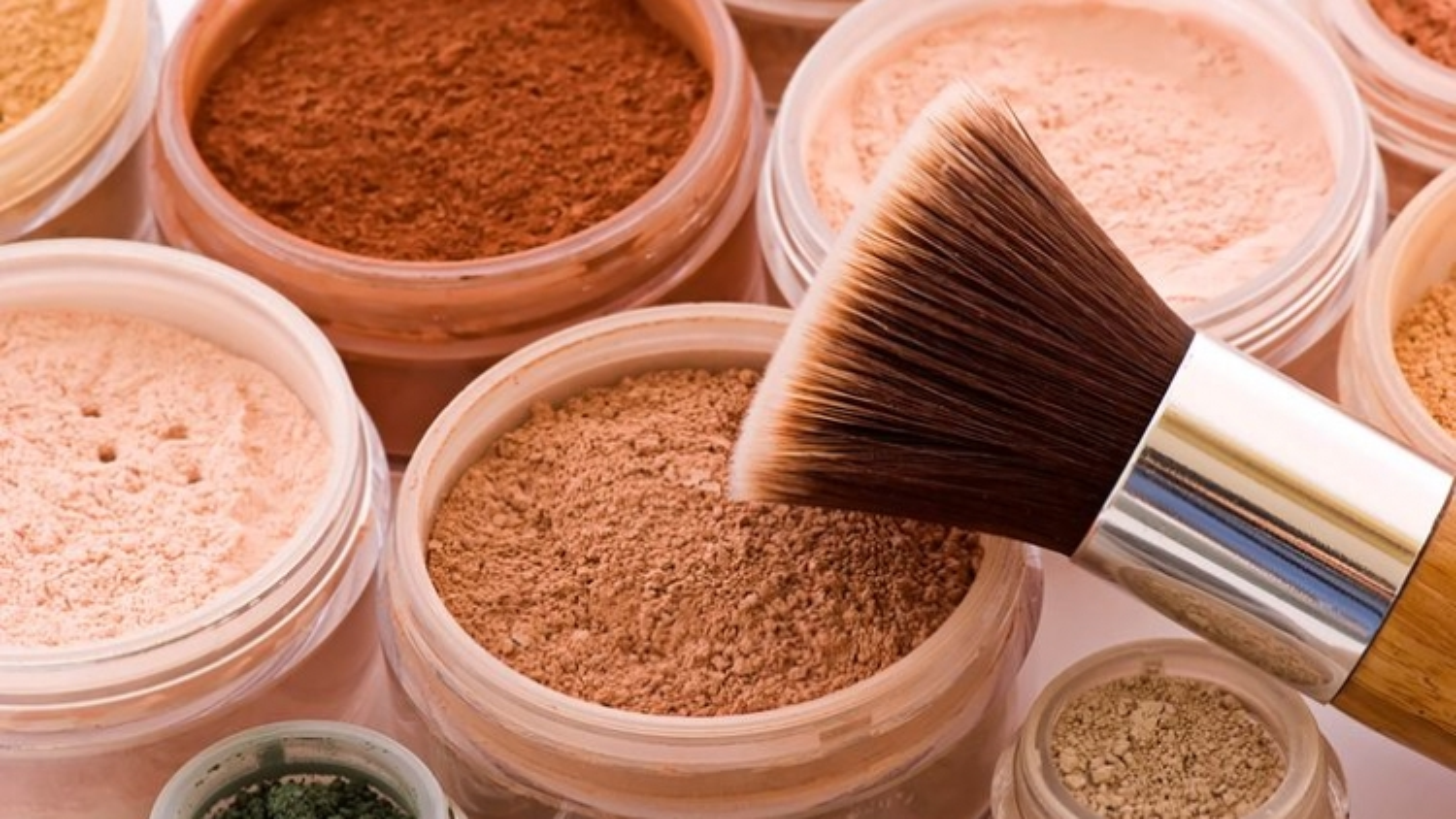 10 nguyên tắc trang điểm dành cho da dầu mụn