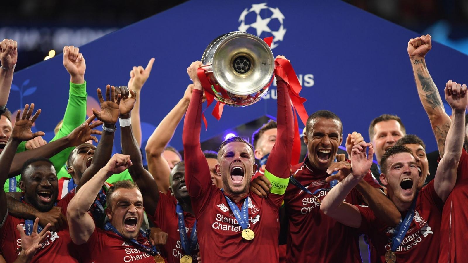 """Ngày này năm xưa: Liverpool vô địch Champions League sau trận chung kết """"tẻ nhạt"""""""