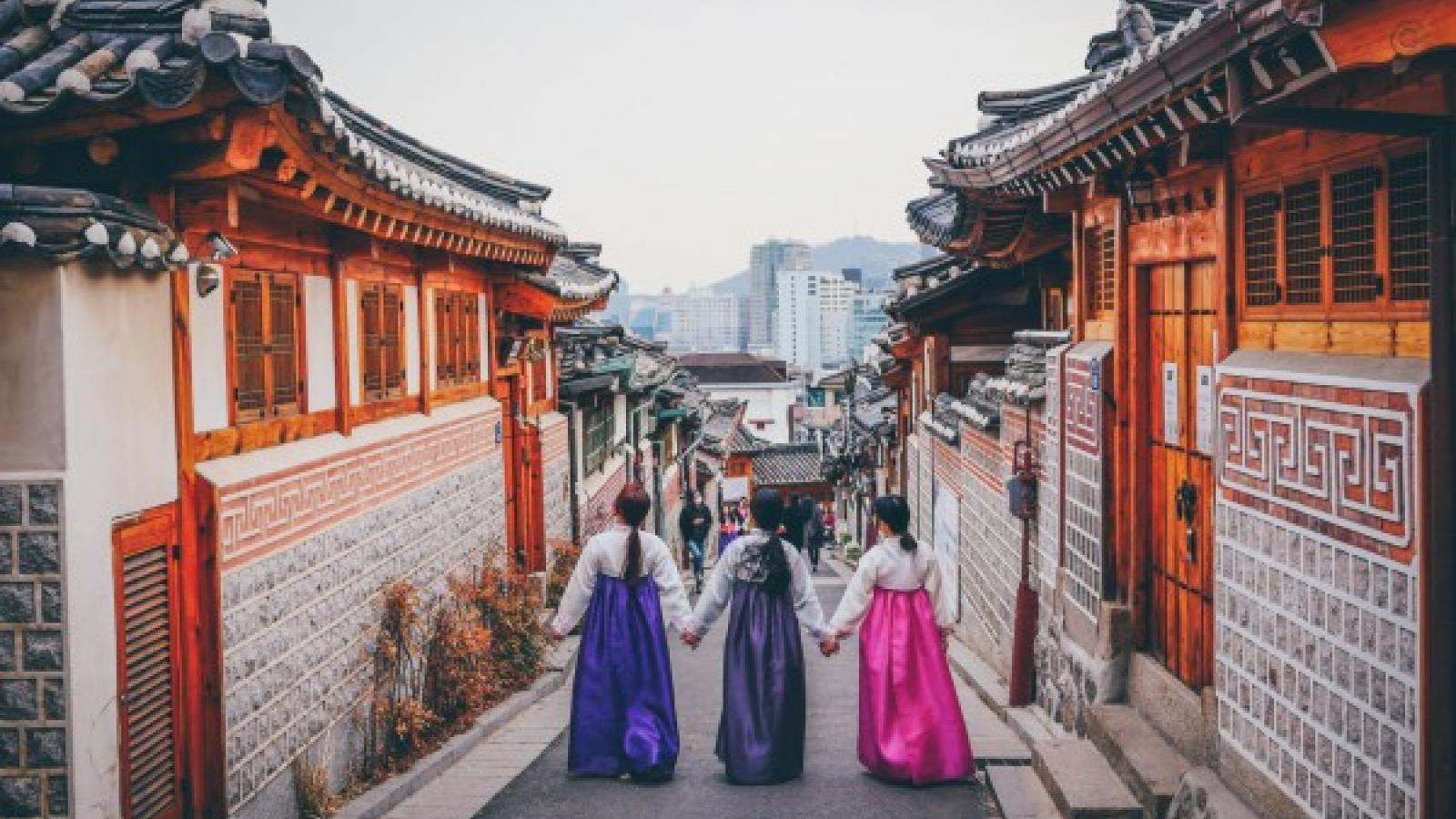 Khách du lịch có thể đến Hàn Quốc từ tháng 7 nếu đã tiêm vaccine COVID-19