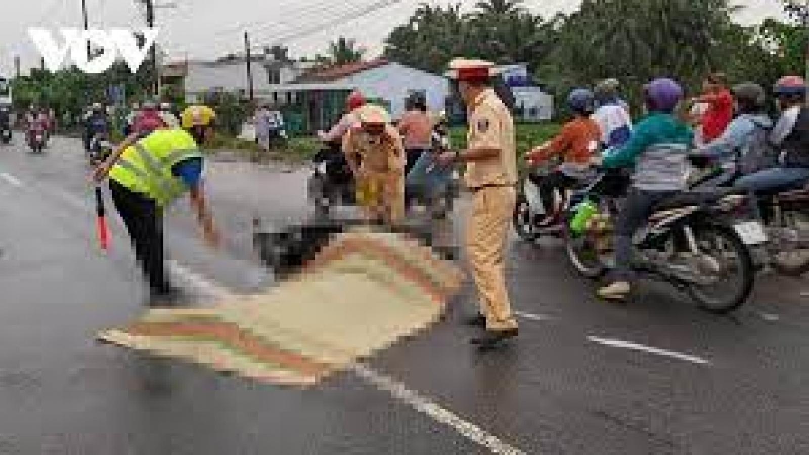 Công an quận Hoàng Mai tìm người chứng kiến vụ tai nạn ở đường Lĩnh Nam