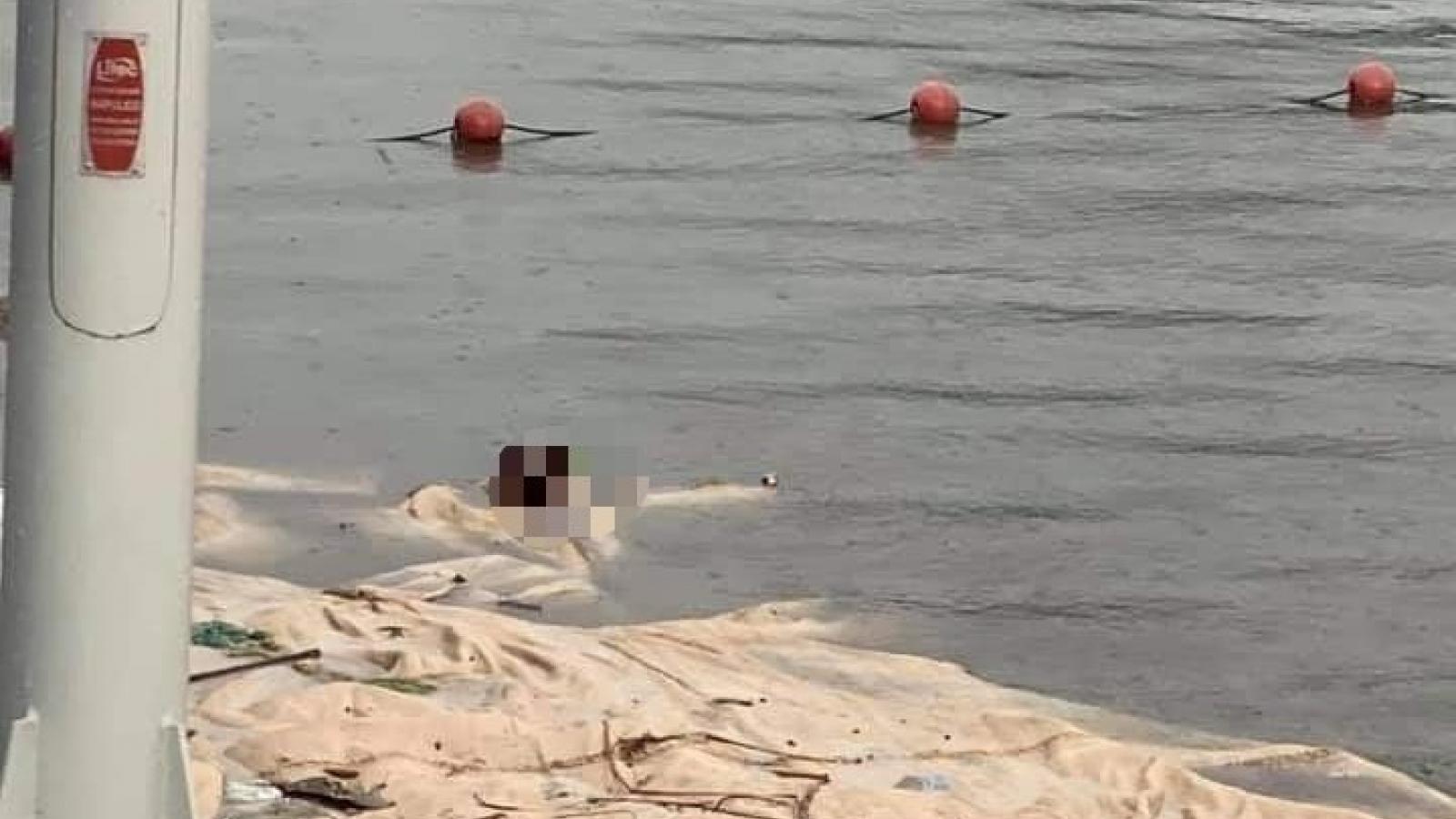 Phát hiện thi thể nam giới trôi dạt gần bãi tắm ở Quảng Ninh