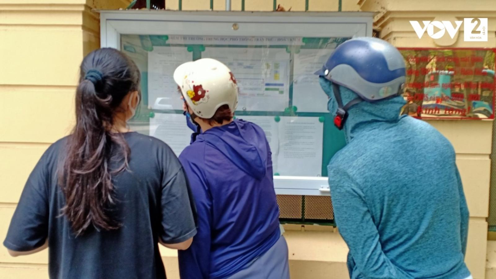 Cận cảnh phòng thi tuyển sinh vào lớp 10 Hà Nội trước giờ G