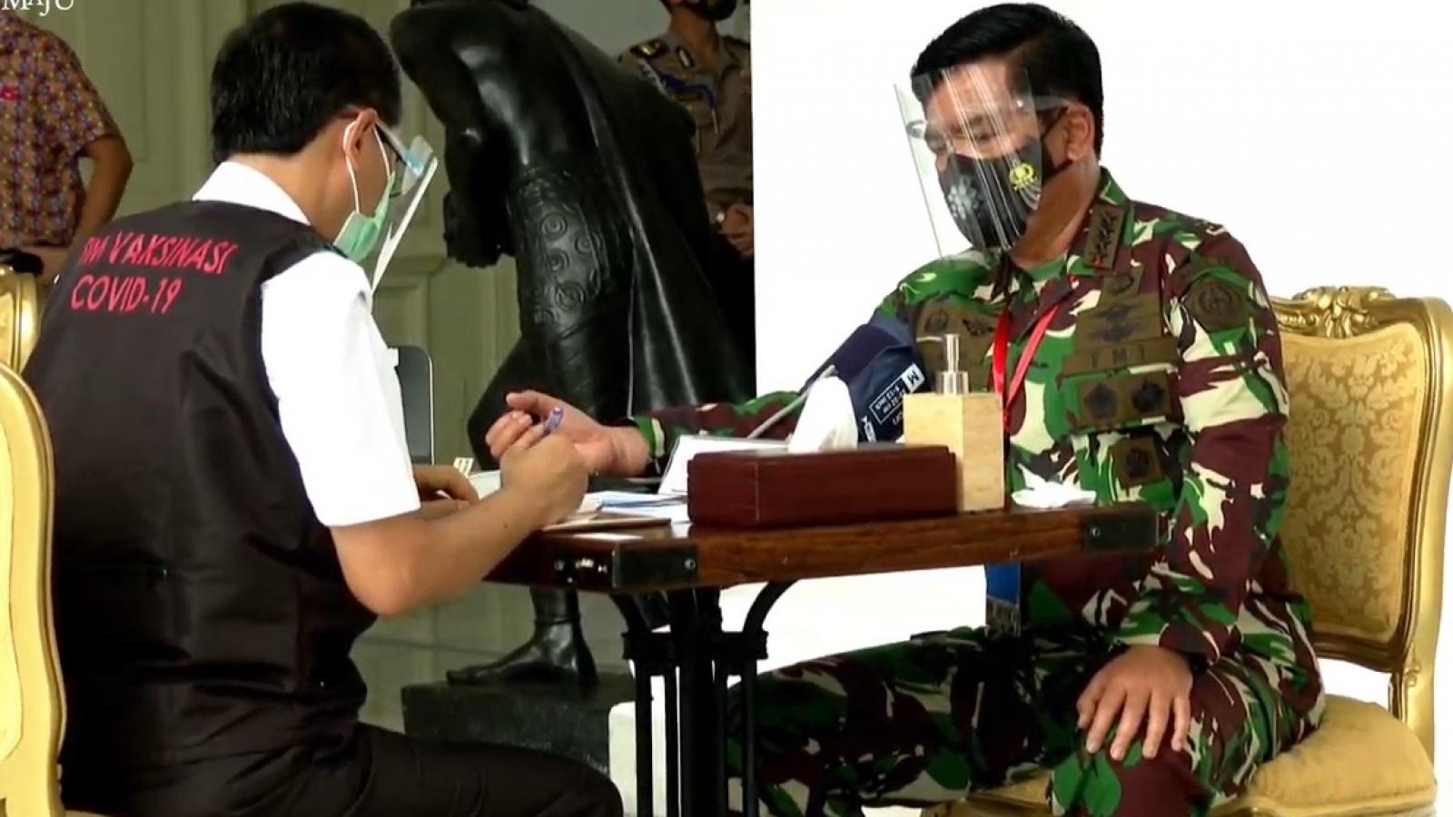 Đông Nam Á chạy đua tiêm chủng ngừa Covid-19 cho hơn 650 triệu dân