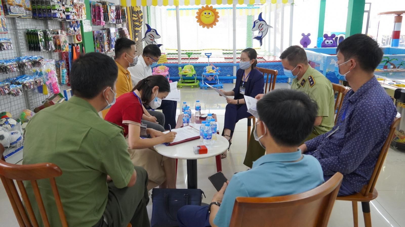 Lào Cai xử phạt nhiều trường hợp vi phạm quy định cách ly, phòng dịch