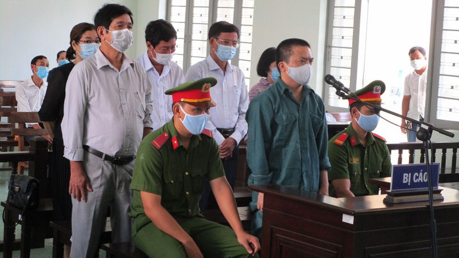 Cựu Giám đốc Trung tâm Y tế TP Phan Thiết cùng thuộc cấp hầu tòa